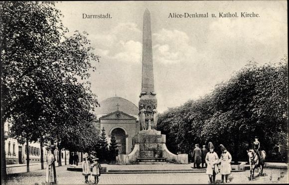 Ak Darmstadt in Hessen, Alice Denkmal, Kathol. Kirche, Offiziere, Passanten