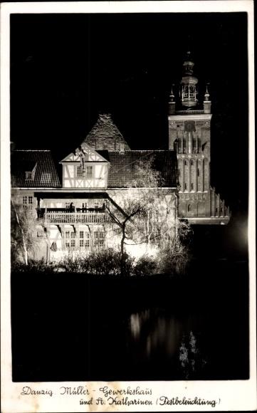 Ak Gdańsk Danzig, Müller Gewerkhaus, St. Katharinen, Festbeleuchtung, Nachtszene