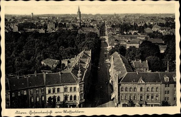 Ak Düren, Gesamtansicht vom Wasserturm, Blick über die Dächer der Stadt, Kirche