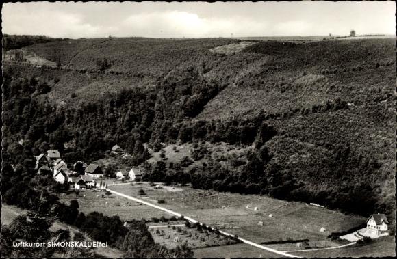 Ak Simonskall Hürtgenwald Nordrhein Westfalen, Blick auf den Ort mit Umgebung