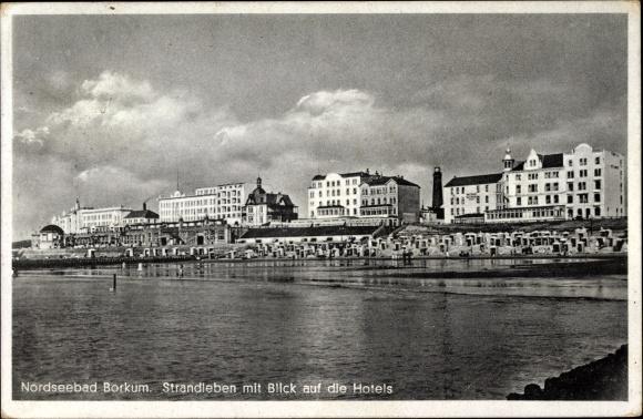 Ak Insel Borkum Ostfriesland, Strandleben mit Blick auf die Hotels