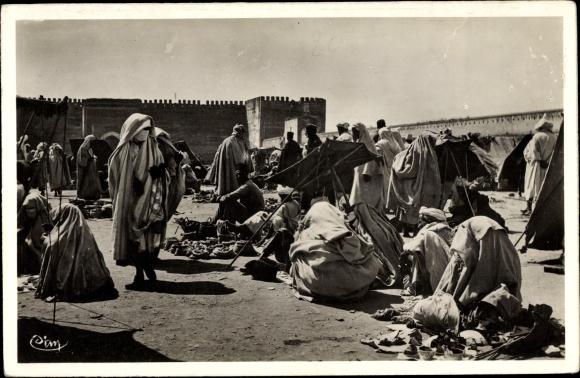 Ak Meknès Marokko, Place El Hedime, Marchands, Markt, Händler, Waren
