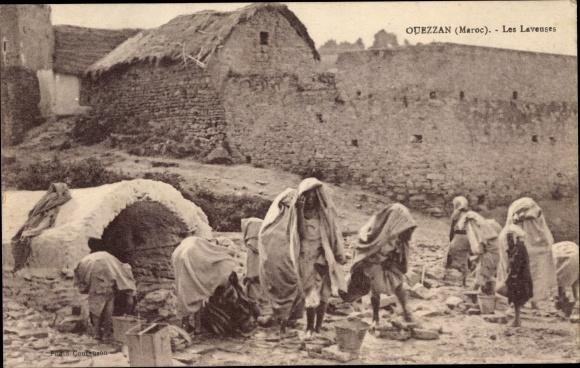 Ak Ouezzan Marokko, Les Laveuses, Wäscherinnen am Brunnen