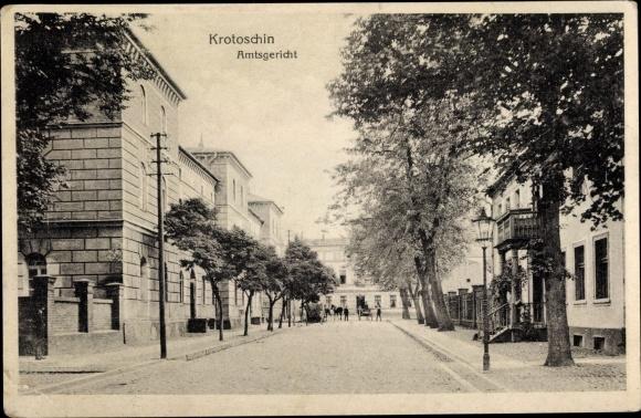 Ak Krotoszyn Krotoschin Posen, Amtsgericht, Straßenpartie