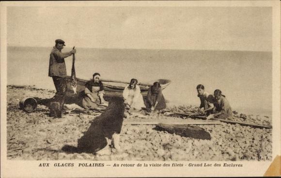 Ak Nordamerika, Aux glaces polaires, au retour de la visite des filets, Grand Lac des Esclaves