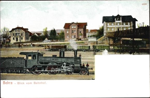 Ak Bebra an der Fulda in Hessen, Blick vom Bahnhof, Lokomotive, Eisenbahnbrücke, Wagons, Wohnhäuser