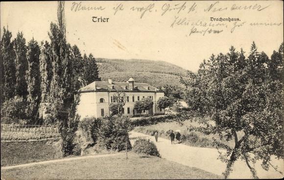 Ak Trier in Rheinland Pfalz, Drachenhaus, Straßenpartie