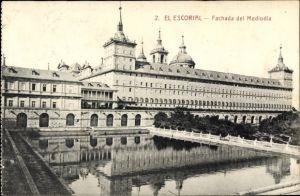 Ak San Lorenzo de El Escorial Madrid Spanien, Fachada del Mediodia, Schlossanlagen