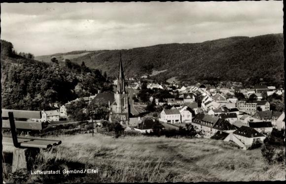Ak Gemünd Schleiden in der Eifel, Panoramaansicht von Ortschaft, Kirche