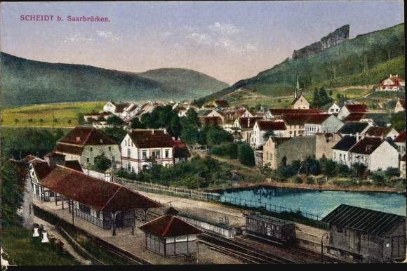 Ak Scheidt Saarbrücken im Saarland, Panorama vom Ort, Bahnhof, Gleisansicht, Güterwagon