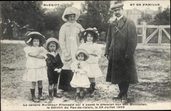Ak Blériot et sa Famille, Aviateur francais, 25 Juillet 1909