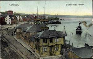 Ak Flensburg Schleswig Holstein, Dampfschiffs Pavillon, Anlegestelle, Häuser, Dampfschiff in Fahrt