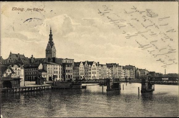 Ak Elbląg Elbing Westpreußen, Am Elbing, Brücke, Häuserfassaden