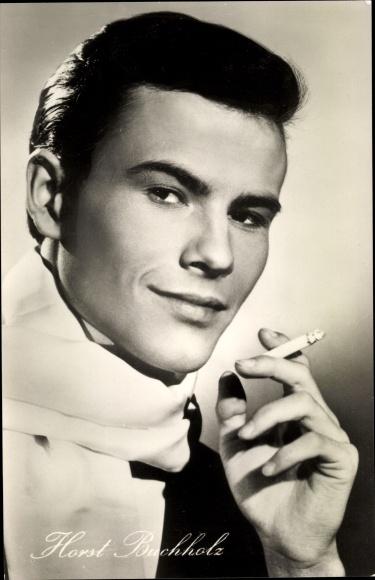 Ak Schauspieler Horst Buchholz, Portrait, Zigarette
