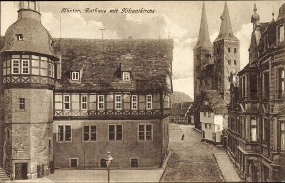 Ak Höxter in Nordrhein Westfalen, Rathaus mit Kilianikirche