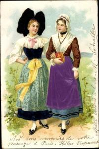 Stoff Präge Litho Elsässer Trachten, Zwei Frauen beim Kirchgang, Haube