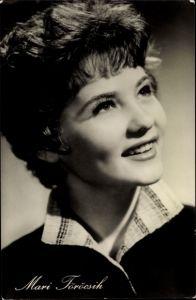 Ak Schauspielerin Mari Töröcsik, Portrait