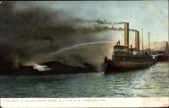 Ak Hoboken New Jersey USA, Fire Boat in Action, North River, D. L. & W. R. R. Hoboken Fire