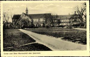 Ak Marienfeld Harsewinkel Westfalen, Kirche u. Abtei, Gesamtansicht, Blick von der Straße