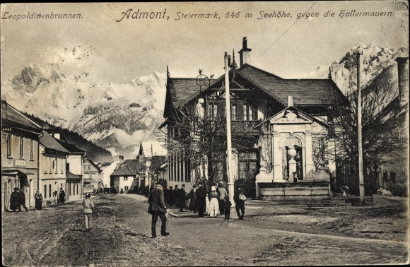 Ak Admont Steiermark, Leopoldinenbrunnen, Haller Mauern, Straßenpartie