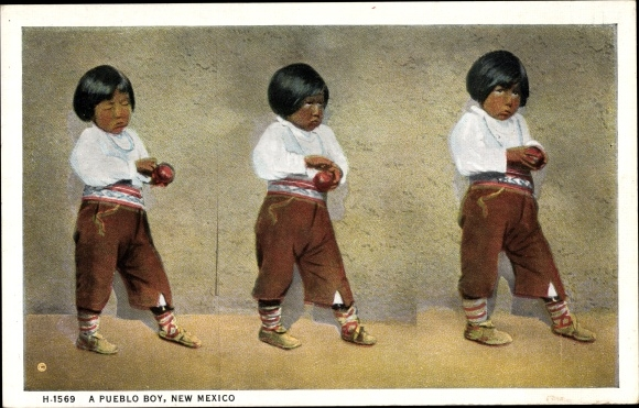 Ak New Mexico USA, A pueblo boy, Pueblo Indianer