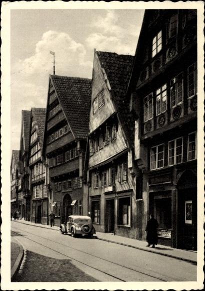 Ak Osnabrück in Niedersachsen, Bierstraße, Fachwerkhäuser, Fassaden, Läden, Auto