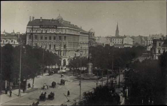 Foto Ak Riga Lettland, Alexander Boulevard, Kompania Singer, Musikalienhandlung C. Blosfeld, Denkmal