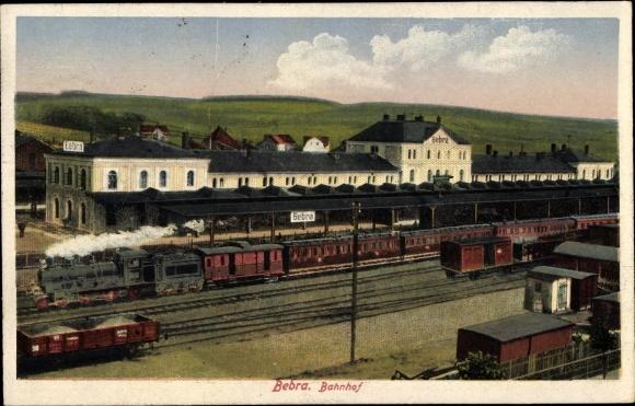 Ak Bebra an der Fulda in Hessen, Blick auf den Bahnhof, Lokomotive