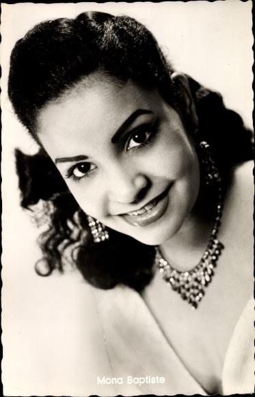 Ak Sängerin und Schauspielerin Mona Baptiste, Portrait