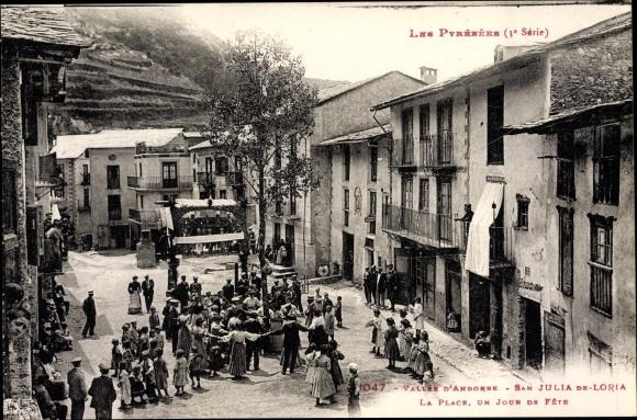 Ak San Sant Julià de Lòria Andorra, La Place, un jour de Fete, Festtag, Anwohner beim Tanz