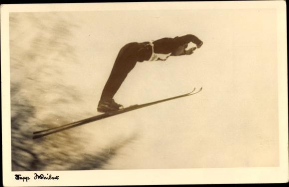 Foto Ak Skispringer Sepp Weiler, Bei einem Schanzensprung