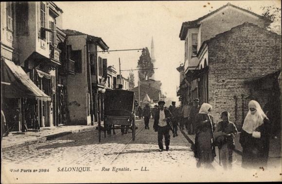 Ak Thessaloniki Griechenland, Rue Egnatia, Passanten, Levy & Fils