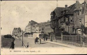 Ak Dieppe Seine Maritime, La Rue Aguado, Straßenpartie, Levy & Fils 22