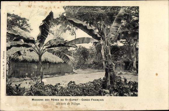 Ak Französisch Kongo, Missions des Pères du St. Esprit, Un Coin de Village