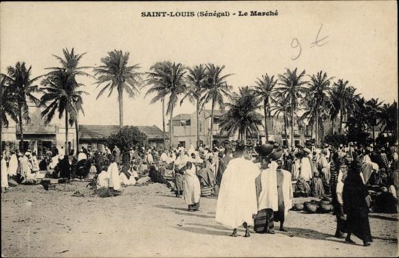 Ak Saint Louis Senegal, Le marché, Markt, Händler
