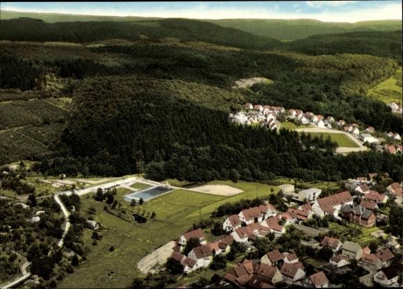 Ak Grünenplan Delligsen Niedersachsen, Fliegeraufnahme vom Ort