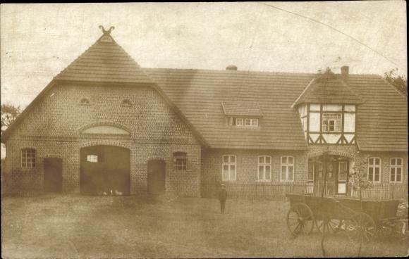Foto Ak Wensebrock Brockel Niedersachsen, Gehöft mit Wohnhaus und Scheune, Wagen