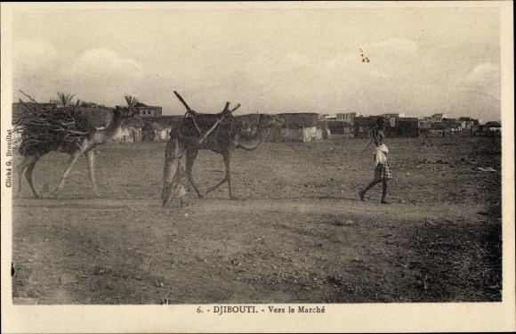 Ak Djibouti Dschibuti, Vers le Marché, Kamele, Holz