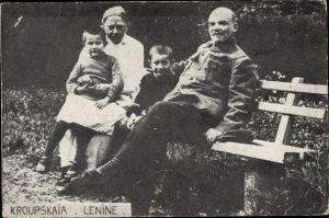 Ak Wladimir Lenin, Kroupskaja, Ehefrau Nadeschda Konstantinowna Krupskaja, Kinder