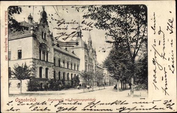 Ak Osnabrück in Niedersachsen, Kanzlerwall m. Regierungsgebäude, Straßenansicht