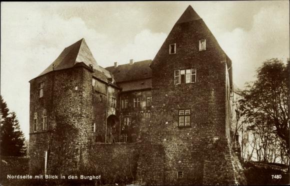 Ak Westerburg im Westerwaldkreis, Westerburg, Jugendburg d. BDJ, Nordseite mit Blick in den Burghof