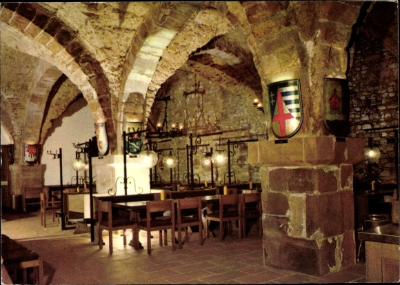 Ak Trier in Rheinland Pfalz, Historischer Keller im Warenhaus Trier