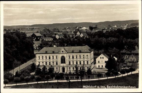 Ak Mühldorf am Inn Bayerisches Alpenvorland, Bezirkskrankenhaus, Blick über die Dächer der Stadt