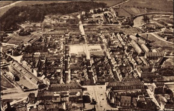 Ak Saarlouis im Saarland, Fliegeraufnahme der Ortschaft