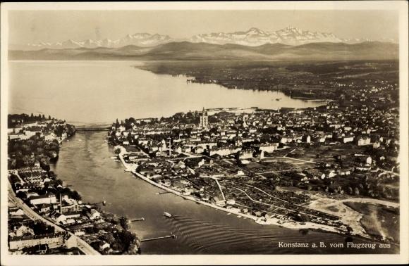 Ak Konstanz am Bodensee, Fliegeraufnahme mit Blick zum Bodensee