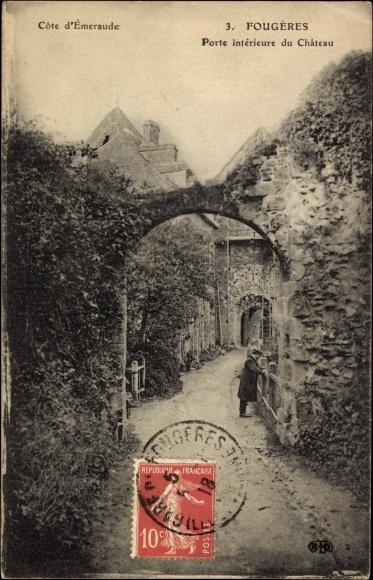 Ak Fougères Ille et Vilaine, Porte intérieur du Château