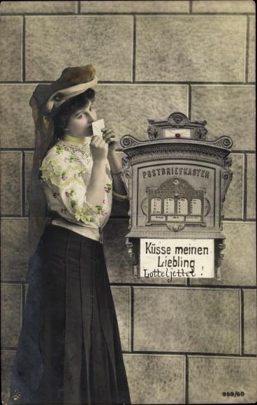 Ak Junge Frau am Briefkasten, Küsse meinen Liebling