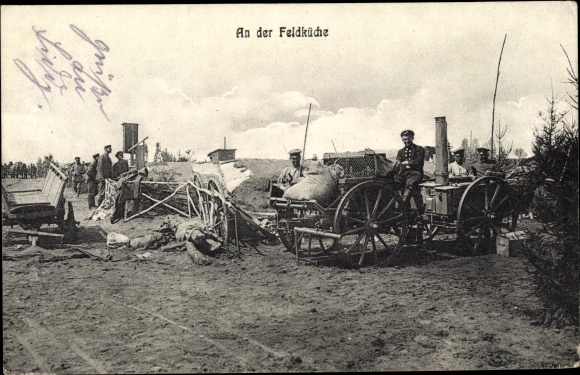 Ak Deutsche Soldaten an der Feldküche, Gulaschkanonen, I. WK