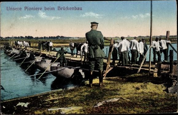 Ak Deutsche Pioniere beim Brückenbau, Schiffbrücke, I. WK