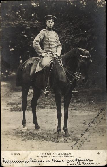 Ak Kronprinz Wilhelm von Preußen, Portrait auf einem Pferd